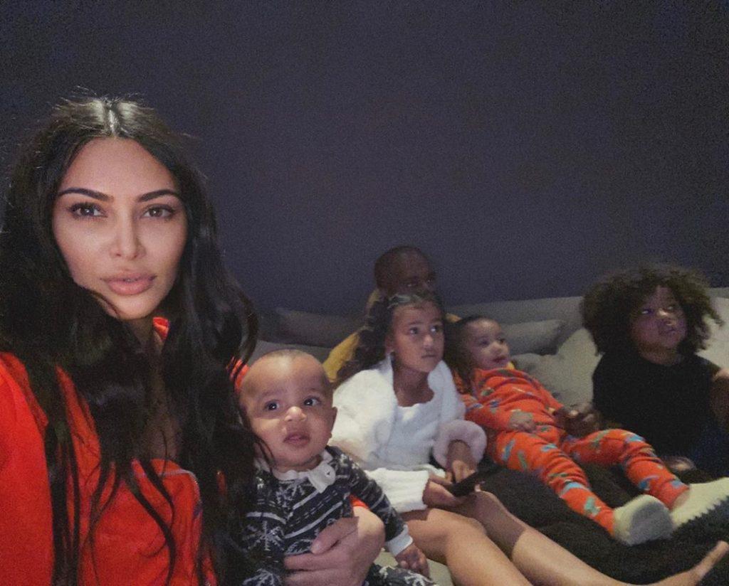 Сестры Кардашьян, Сиара и Крисси Тейген: топ фото классных звездных мамочек с детьми