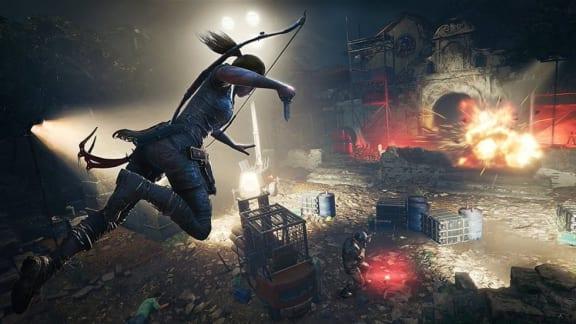Shadow of the Tomb Raider visar upp stridstaktiker och de 15 första spelminuterna