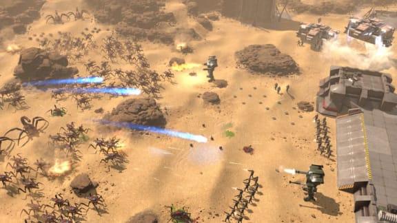 Starship Troopers: Terran Command är ett överlevnads-rts