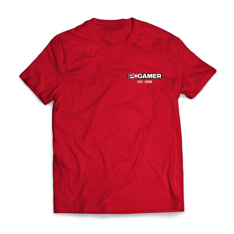 Bild på PC Gamers röda t-shirt.