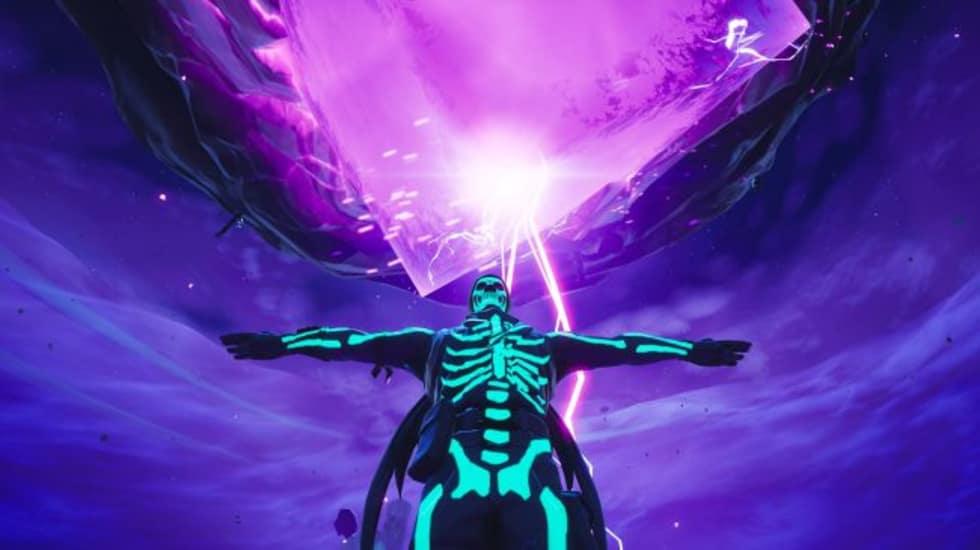 Den svävande Fortnite-ön är nu omgiven av runor