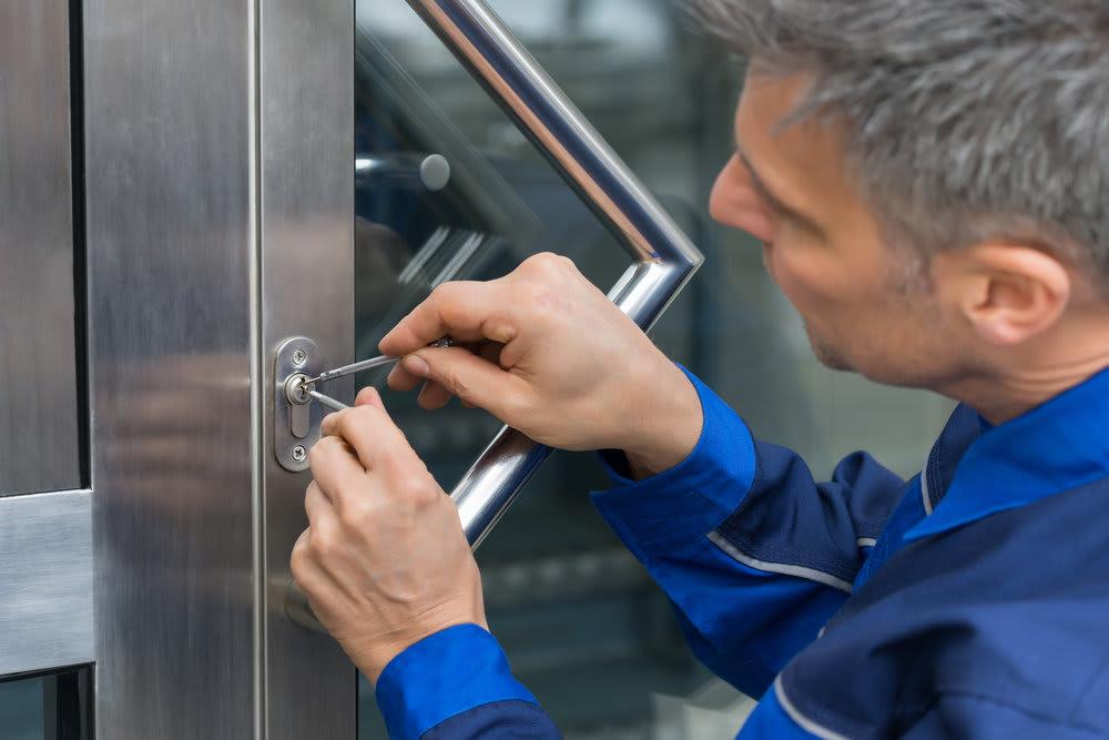 storefront locksmith