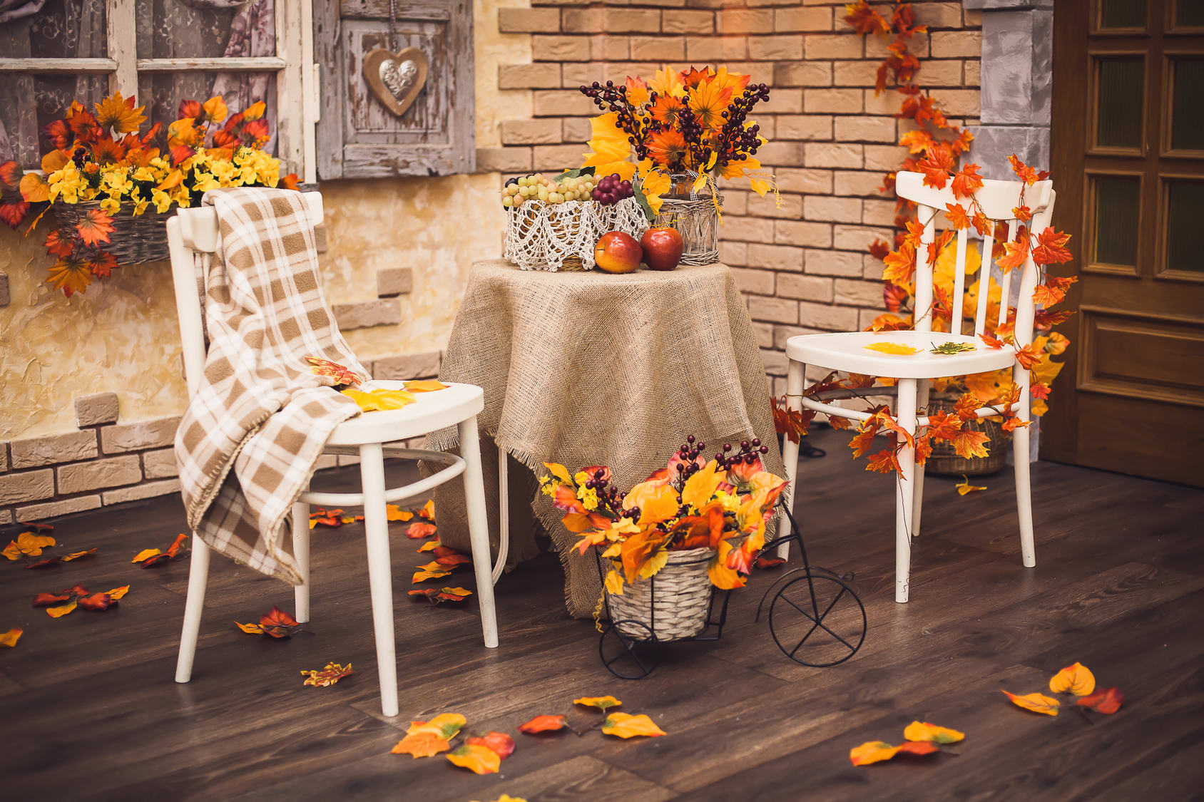 10 Amazingly Simple Fall Decorating Tips - Jake's Moving and Storage