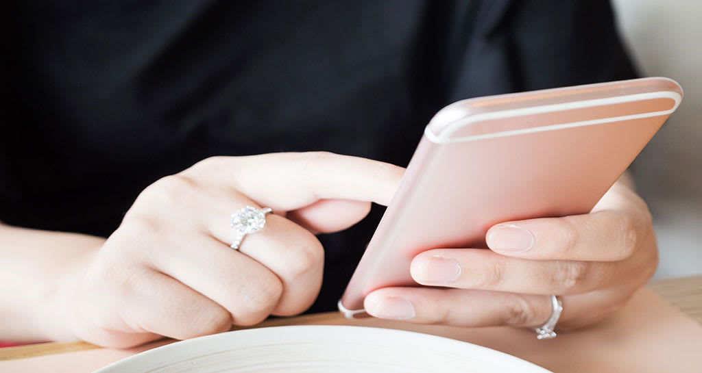 5-Tips-for-Finding-Engagement-Ring-Buyers-in-Chicago2---Chicago-Diamond-Buyer