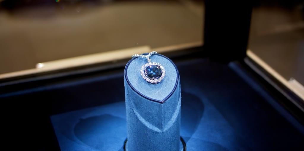 The Hope Diamond - Chicago Diamond Buyer