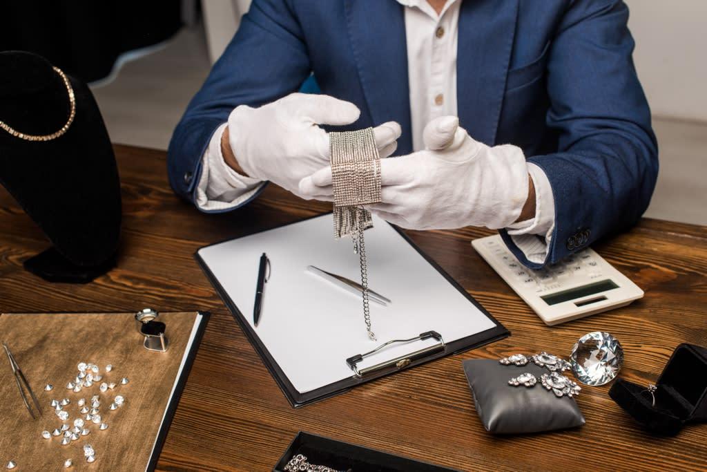 Sell Estate Jewelry - Chicago Diamond Buyer