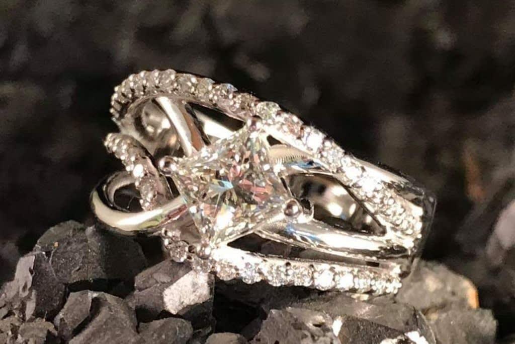 Sell Engagement Ring Divorce - Chicago Diamond Buyer