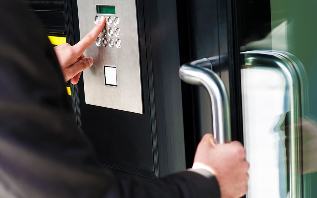 How to Increase Curb Appeal and Improve Safety with a Smart Lock