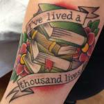 significado de tatuagens de livros