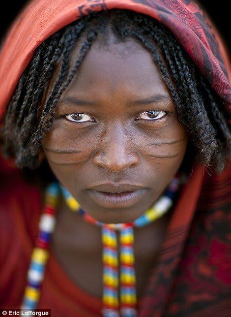 Skarifizierung in Karrayuu Frau