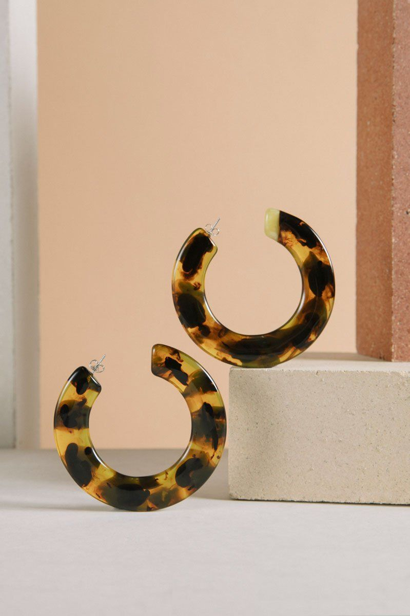 Cult Gaia Kennedy Hoop Tortoiseshell Earrings 3 Preview Images