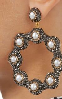 SORU Baroque Pearl Earrings 2 Preview Images