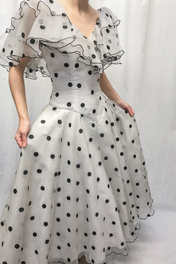 Narrations Ldn Vintage Vintage Ruffled Polka Dot Dres 3 Preview Images