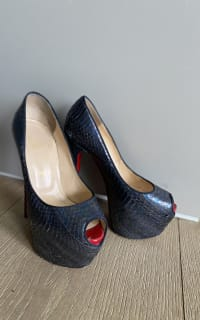 Christian Louboutin Python black 3 Preview Images