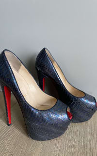 Christian Louboutin Python black 4 Preview Images