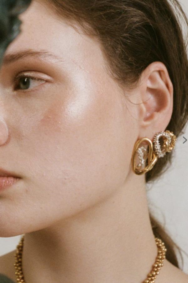 Alighieri Lia Earrings 2