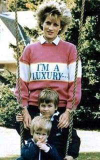 """Rowing Blazers """"I'M A LUXURY"""" Iconic Diana Jumper 4 Preview Images"""