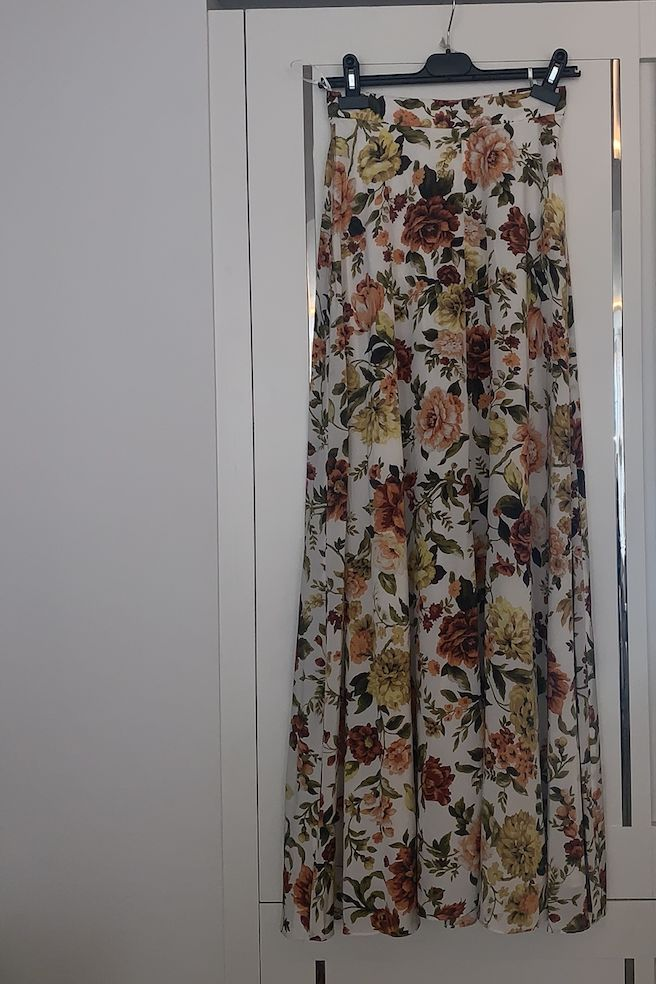 Zimmermann Zippy Basque floral-print silk-blend maxi skirt 3 Preview Images