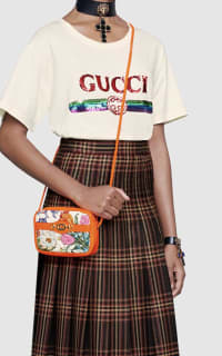 Gucci Log sequin T-shirt 2 Preview Images