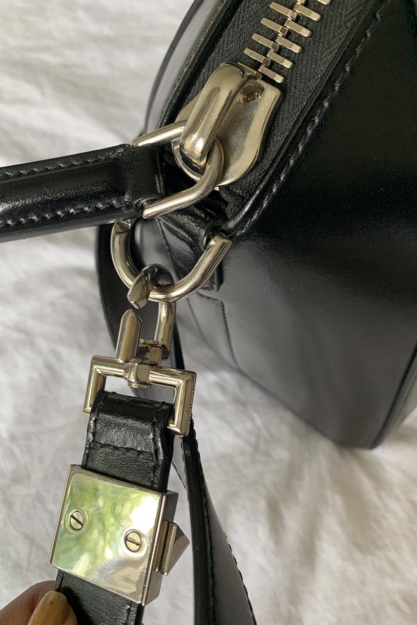 Givenchy The Antigona Bag 5