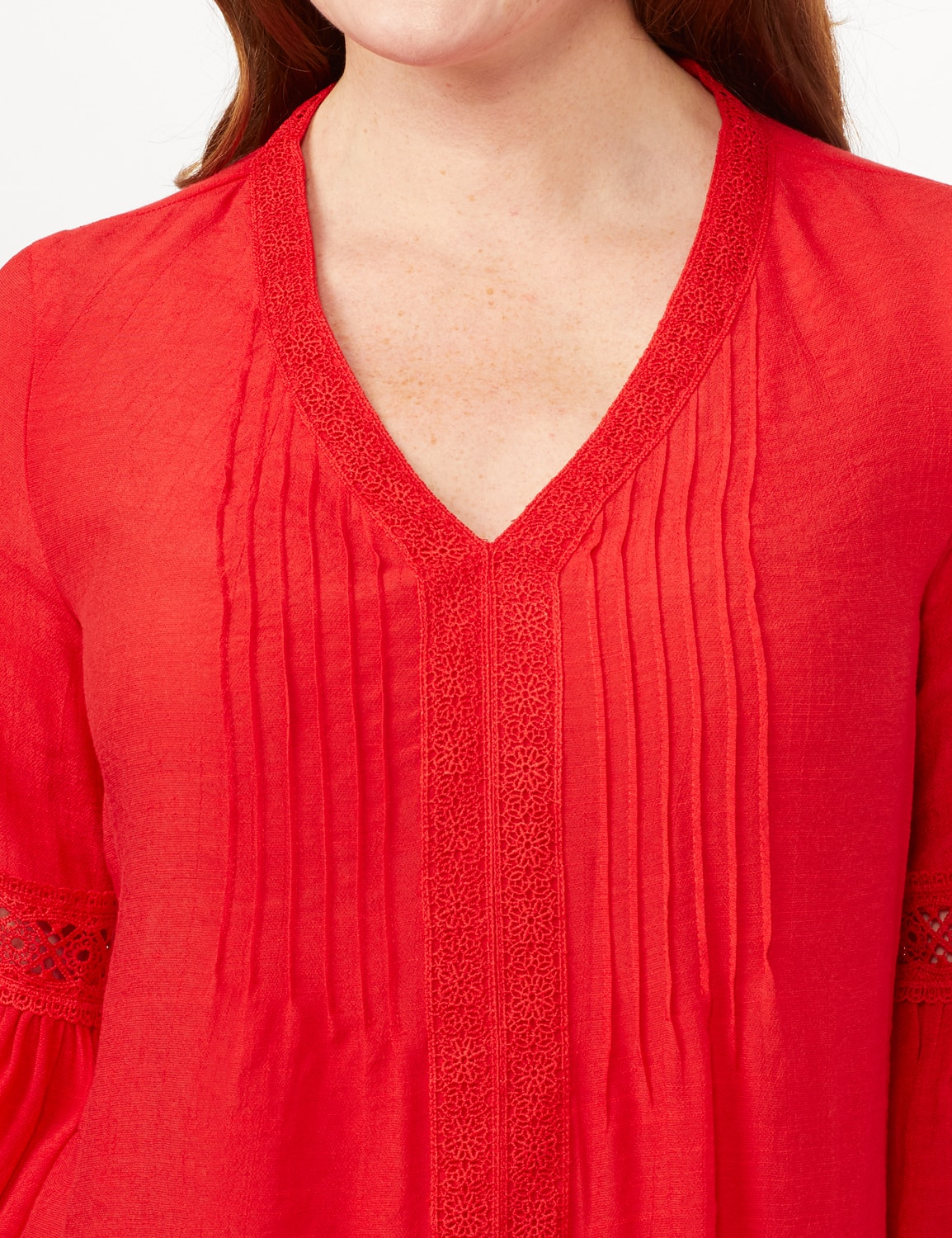 V-Neck Crochet Trim Texture Top - Red - Detail