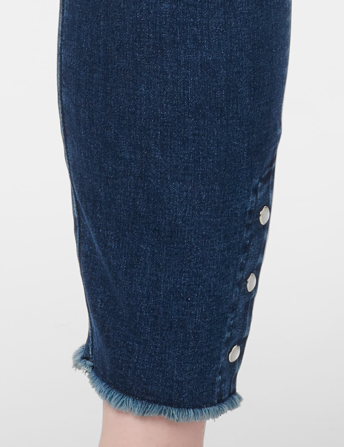 Westport Signature 5 Pocket Skinny Ankle Jean With Snap Button At Ankle - Plus - Dark Wash - Detail