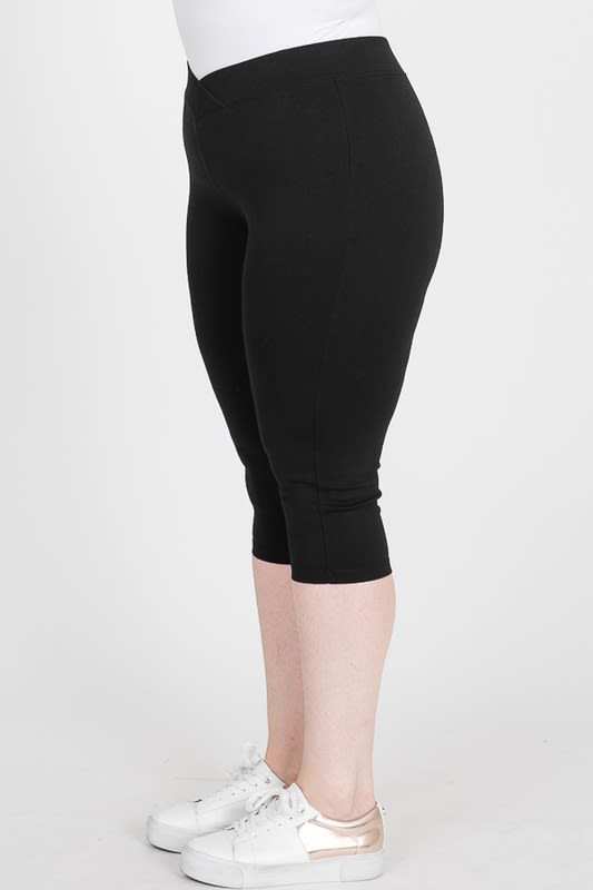 Everyday Ponte Capri Pants - Black - Detail
