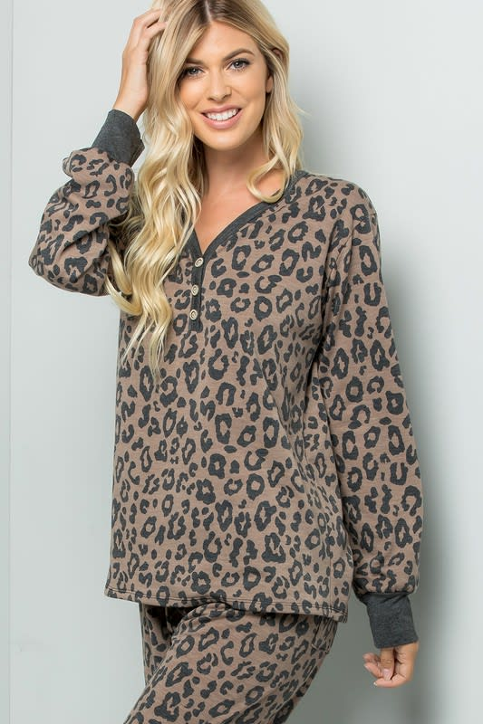 Leopard Weekend Top - Brown - Detail