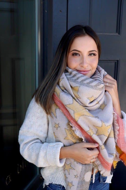Star-Pattern Blanket Scarf - Olive - Front