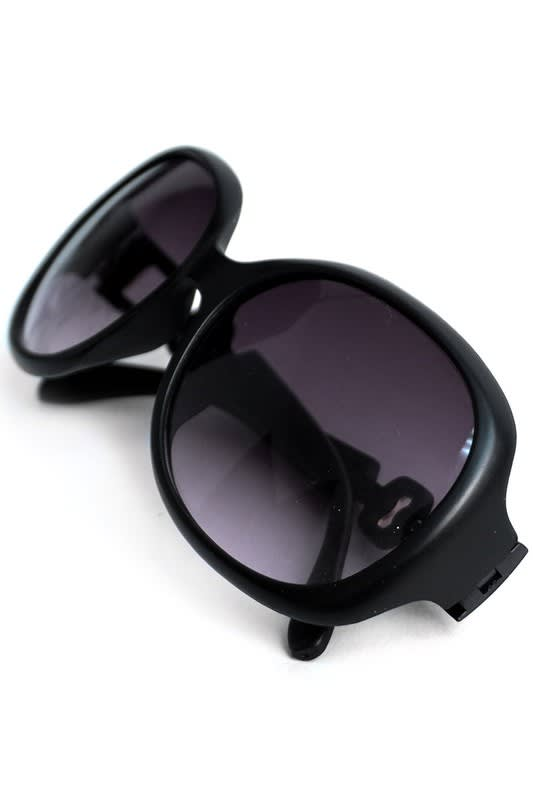 Round Black Sunglasses - Black - Front