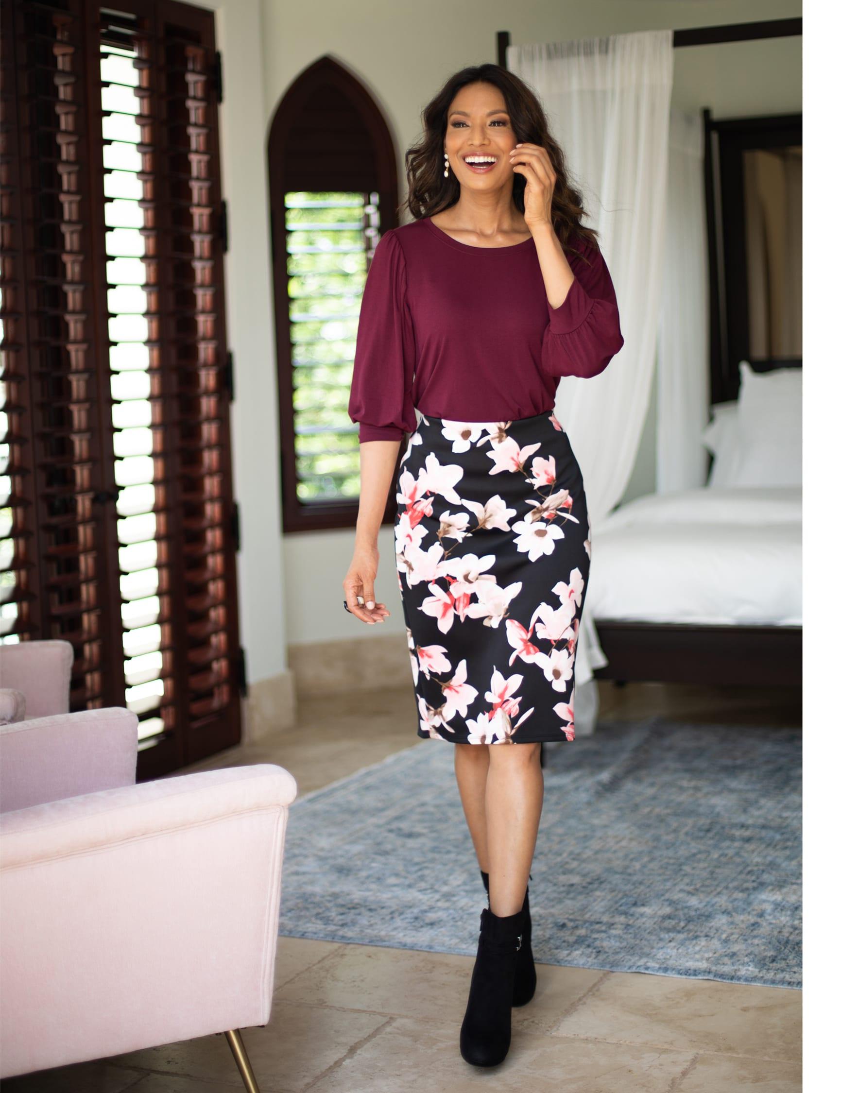 Floral print scuba crepe skirt - Black/Light Flamingo - Front