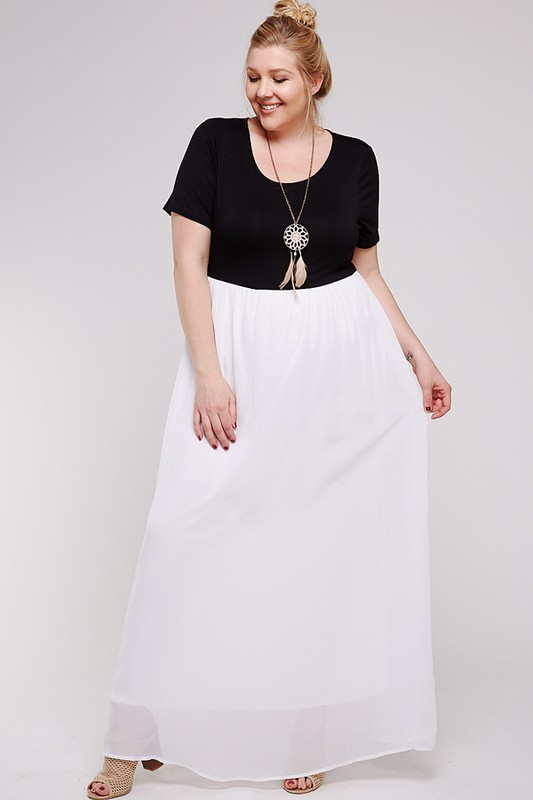 Maxi Dress With Short Sleeve -Black / White - Front