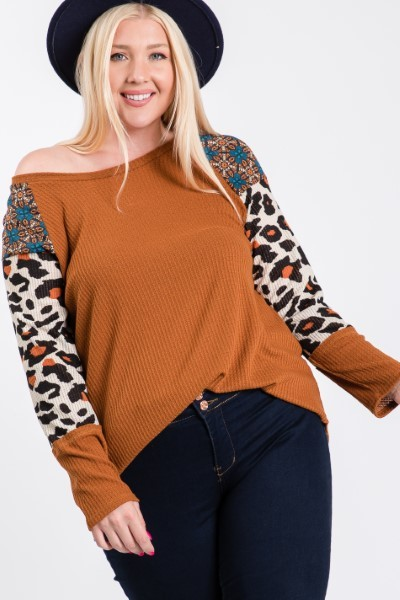 Pattern x Tiger print Sleeve Top -Rust / Animal - Front