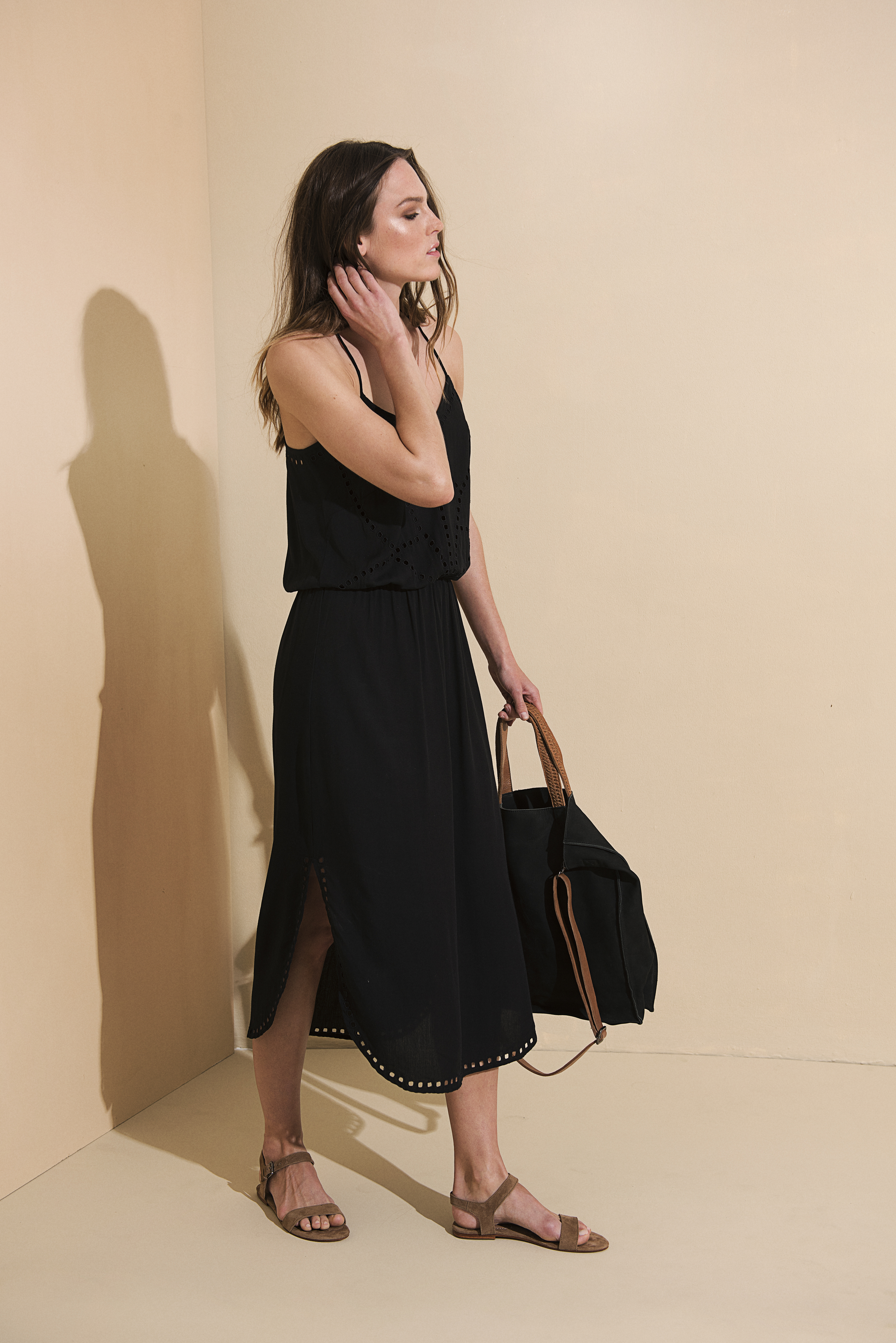 Lisa Midi Dress -Black - Front