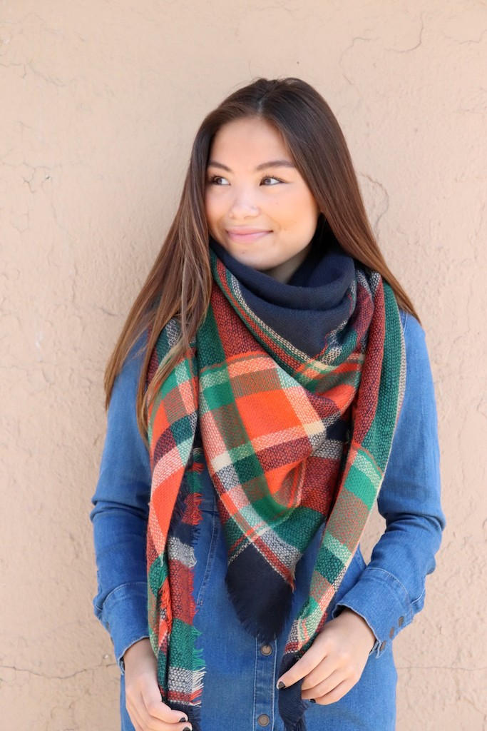 Colorful Blanket Scarf -Navy - Front