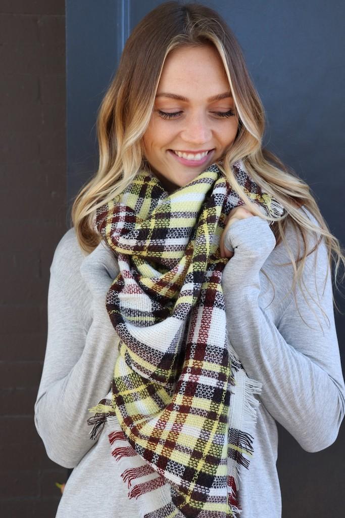 Creamy Blanket Scarf -Cream - Front