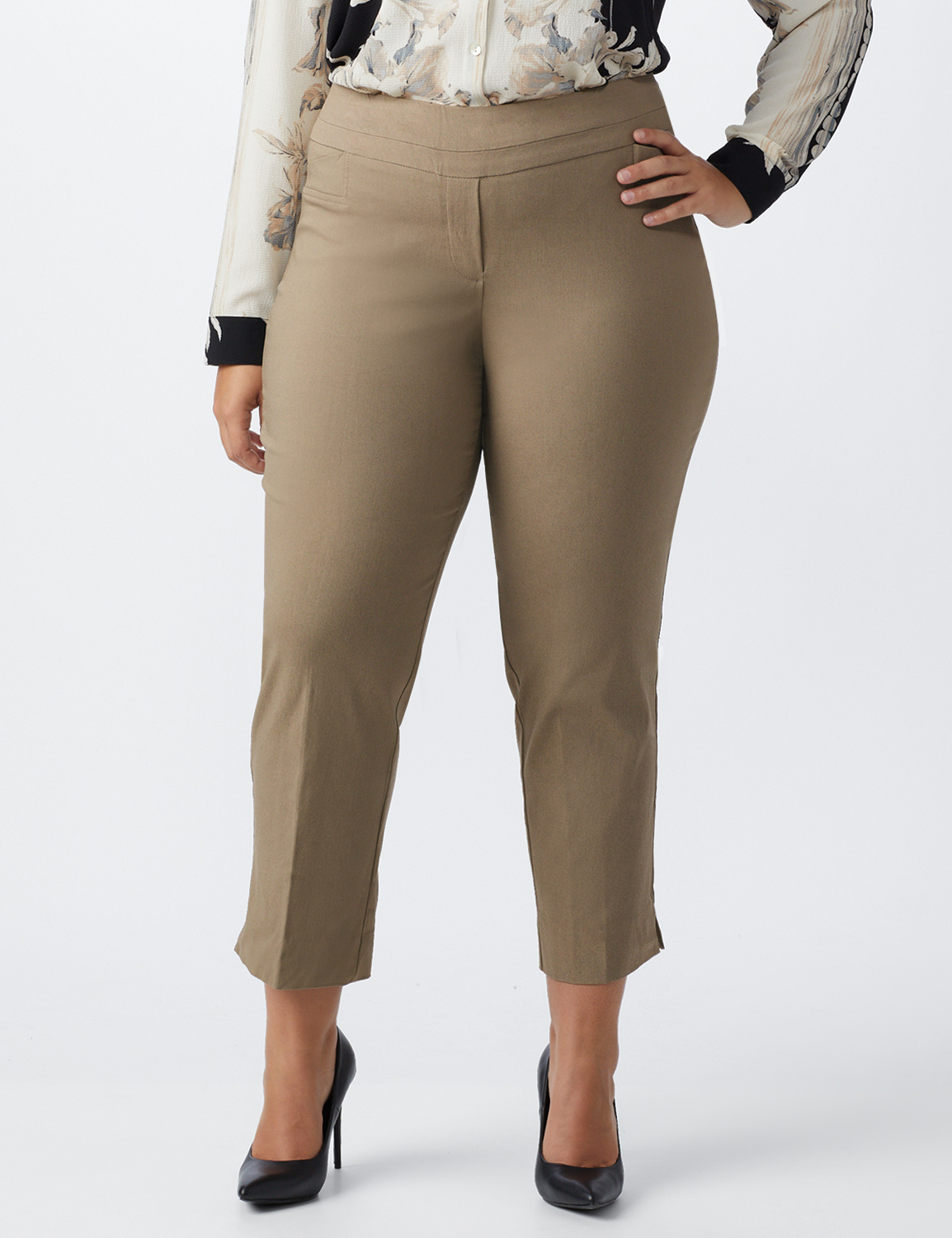 Plus - L-Pocket Pull-On Crop Pants -Taupe - Front