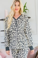 Leopard Weekend Top - Light taupe - Front