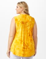 Sleeveless Gold Jaquard Popover Plus - Gold - Back