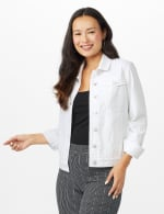 Jean Jacket with 2 Chest Pockets , Button Front, Side Seams - White - Front