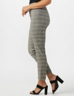 Roz & Ali Yarn Dye Plaid Pull On Waist Ankle Pant - Misses - 4