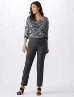 Roz & Ali Secret Agent  Pull on Tummy Control Pants with L Pockets - Average - 11
