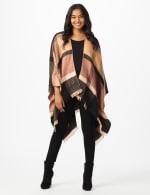 6 Ways to Wear Plaid Ruana - 5