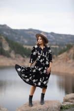 Silvia Embroidered Midi Dress - 3