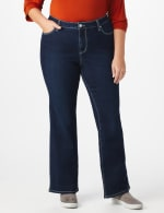 Plus Westport Signature 5 Pocket Bootcut Jean with Fleur-de- lis Bling Back Pocket  - Plus - Rinse - Detail
