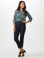 Roz & Ali Solid Superstretch Tummy Panel Pull On Ankle Pants With Rivet Trim Bottom          - Petite - 12