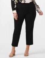 Plus - L-Pocket Pull-On Crop Pants - Black - Front