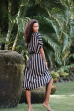 Kaftan Striped Dress - Black stripe - Detail