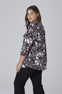 Roz & Ali Floral Bouquet Pintuck Popover - Plus - Black/Pink - Back