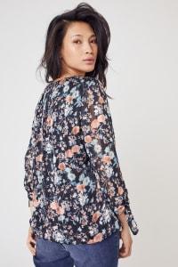 Roz & Ali Bouquet Floral Bubble Hem Lurex Blouse  - Misses - Black/Coral/Teal - Back